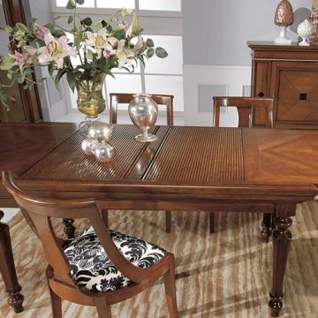 Tavoli e sedie zona giorno classico